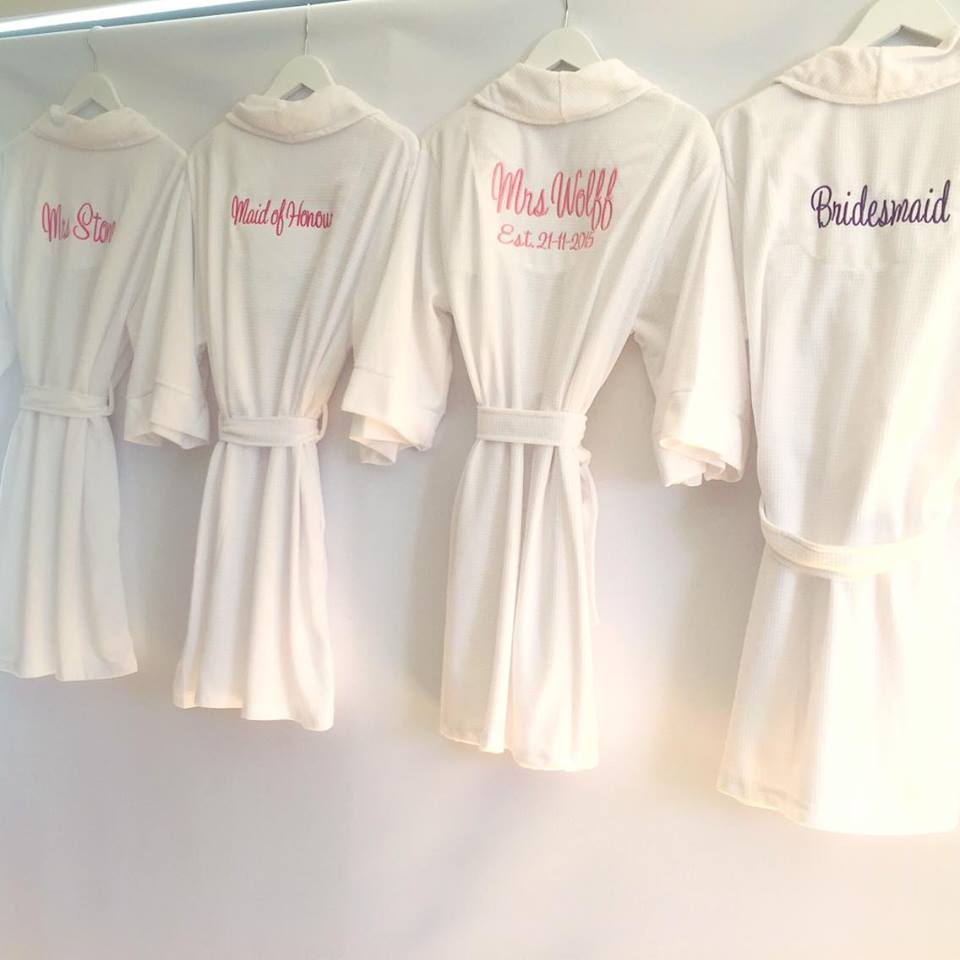 Embroidered Robes for Brides 7998827cd
