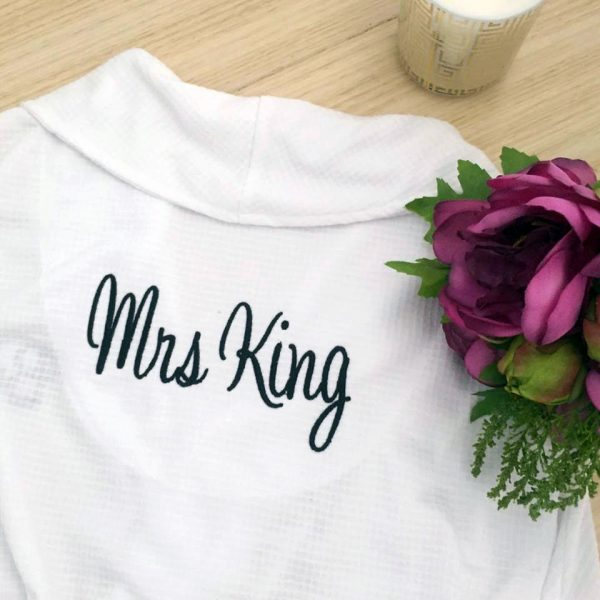 wedding robes personalised, custom bride robe, personalised robes for bride, bride white robe