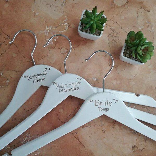 inexpensive wedding hangers, wedding gifts for bridesmaids, custom bridesmaid gifts, customised hangers for brides Australia