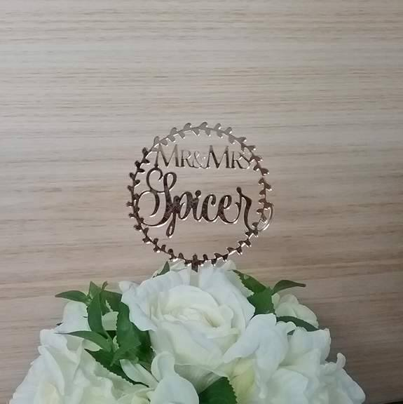 gold cake topper, gold wedding cake topper, personalised wedding cake toppers, mr and mrs cake topper Australia