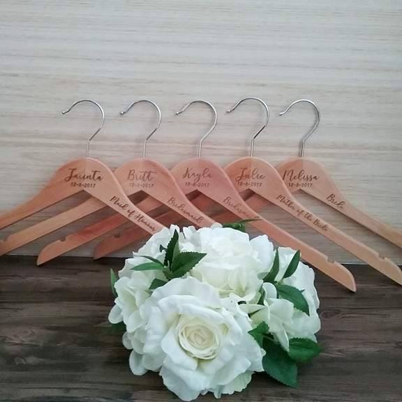 personalised gifts Australia, personalised hangers bridesmaids, custom hangers for bridesmaids, Bridesmaid hangers cheap