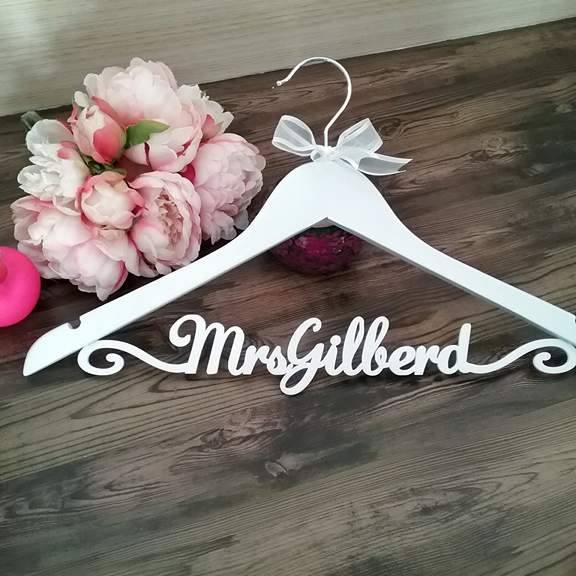 Deluxe Personalised Wedding Hanger for Australians Brides Beautiful Wedding Dresses.