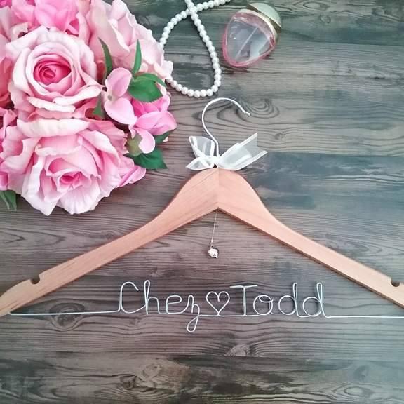 wedding dress hangers with name, wedding hangers, wire word hangers, coat hanger with names, wedding coat hangers