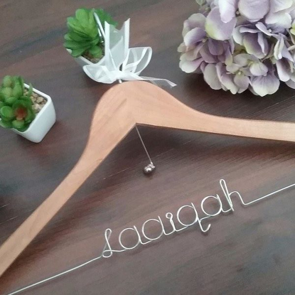 wedding hangers, personalsied wooden coat hangers Australia, name hangers