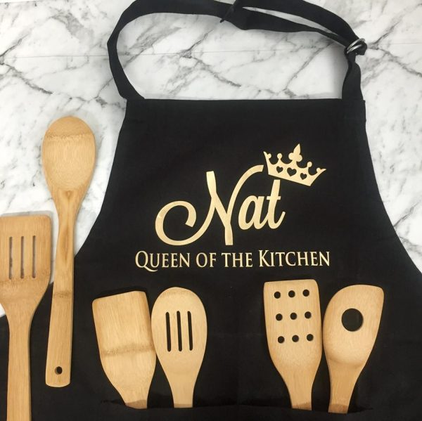 Queen of the kitchen cooking Apron, Personalised Kitchen Apron, Gift for wife that likes to cook, Cotton wedding anniversary gift for her, Christmas gift for girl friend who loves to cook.
